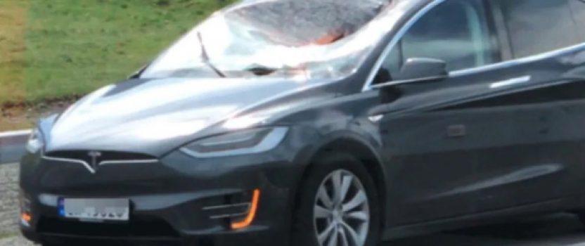 Tesla's Model X windshield holds up against wheel smashing into it