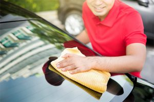 Auto Glass Cleaning