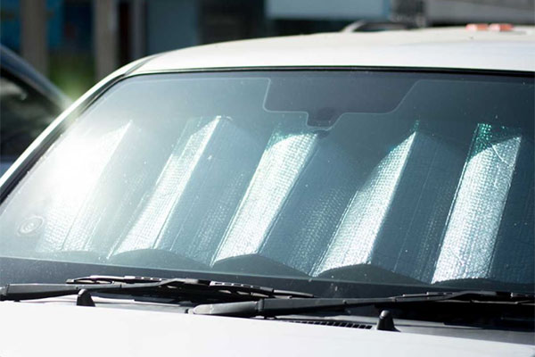 How heat and hot temperatures affect your windshield